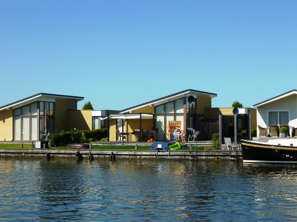 marinapark tacozijl marinapark tacozijl lemmer holland. Black Bedroom Furniture Sets. Home Design Ideas