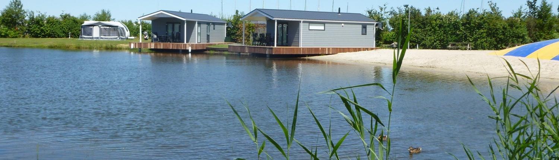 ferienhaus am wasser mieten marinapark tacozijl lemmer holland. Black Bedroom Furniture Sets. Home Design Ideas